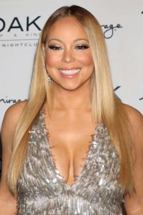Mariah Carey, curve esplosive a Las Vegas