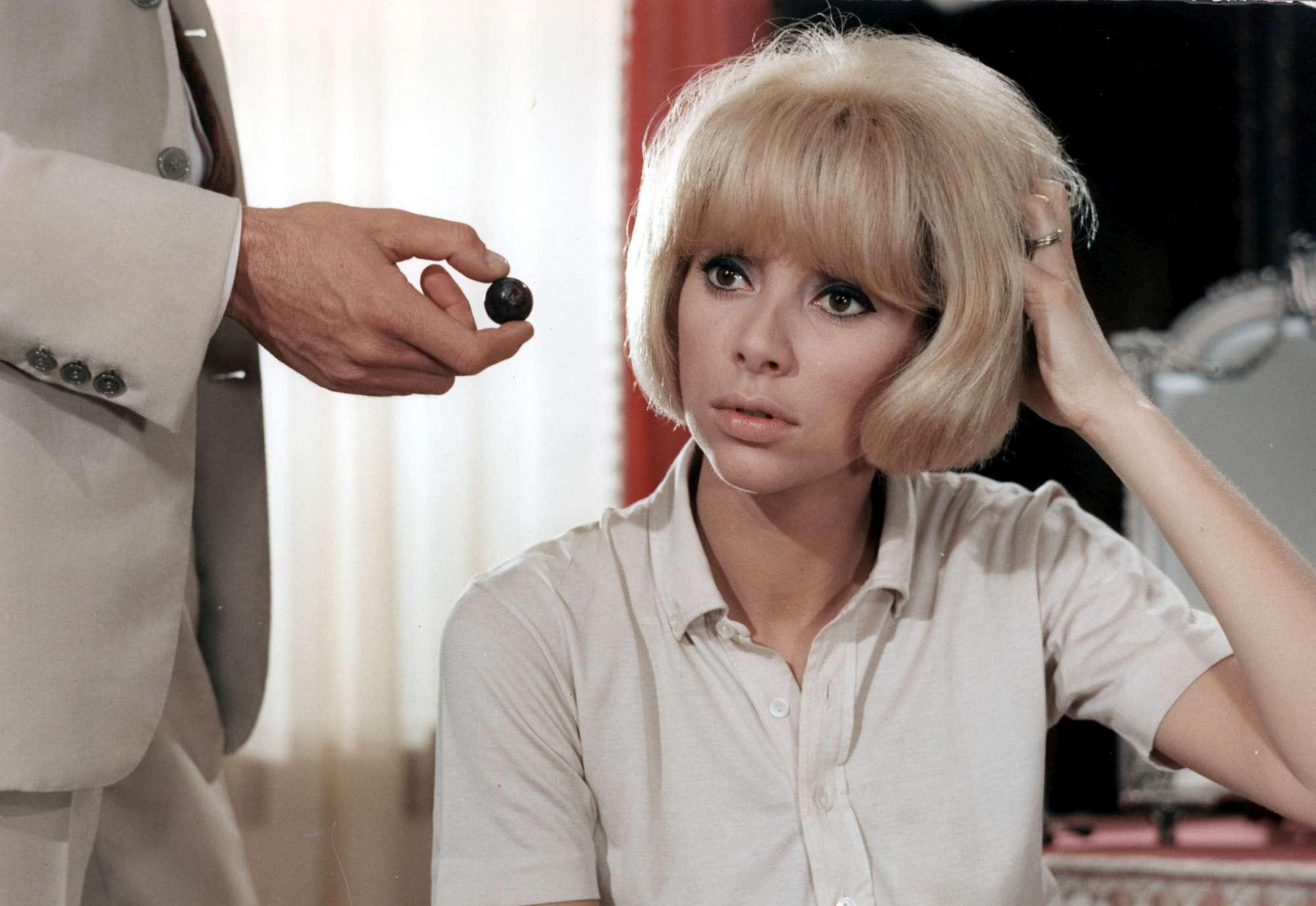 Mireille Darc, scomparsa a 79 anni l attrice francese