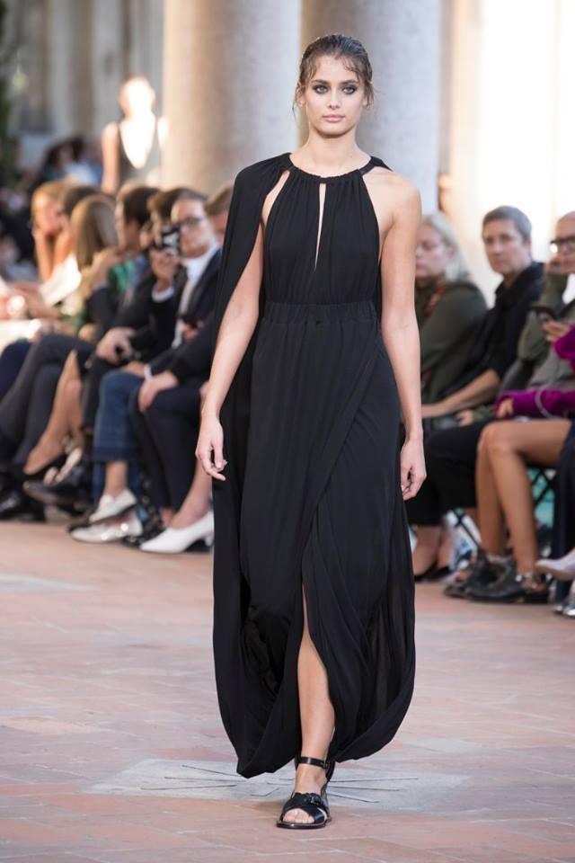 Alberta Ferretti: la collezione per l estate 2018
