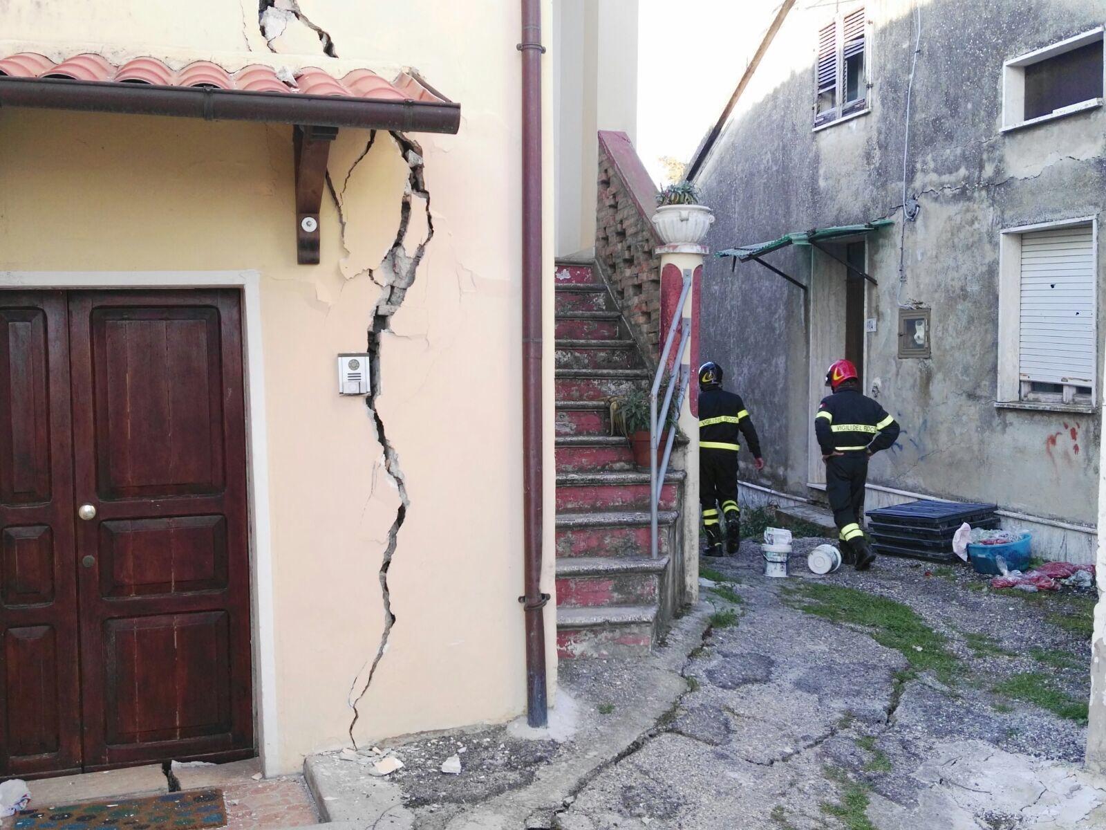 Frana nel Teramano, distrutta la frazione di Ponzano: 100 persone senza casa