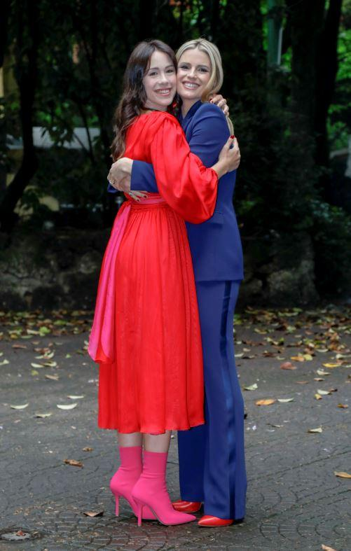 Vuoi scommettere? , Michelle Hunziker e Aurora Ramazzotti: coppia al bacio!