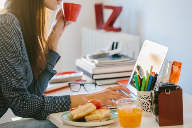 Pausa Pranzo Ufficio : Pausa pranzo in ufficio cinque idee per risparmiare tgcom