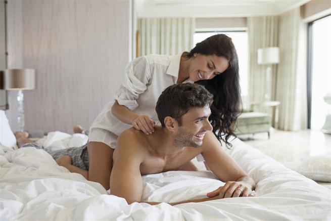 Gli oli essenziali che fanno bene al sesso