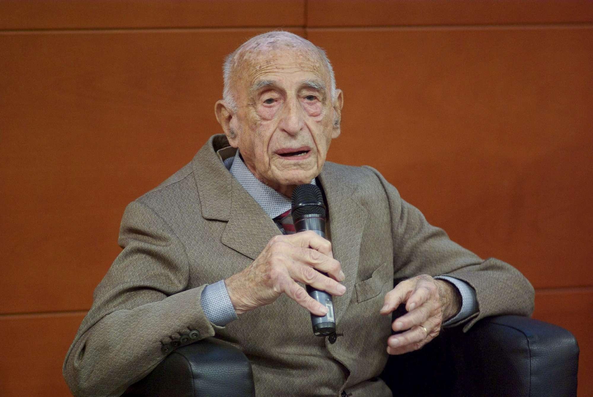 morto a 107 anni gillo dorfles critico d 39 arte