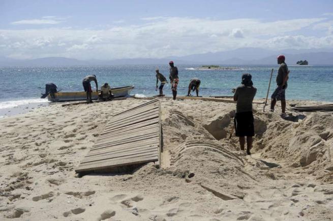 """""""Isola dei Famosi"""", al lavoro per la ricostruzione"""