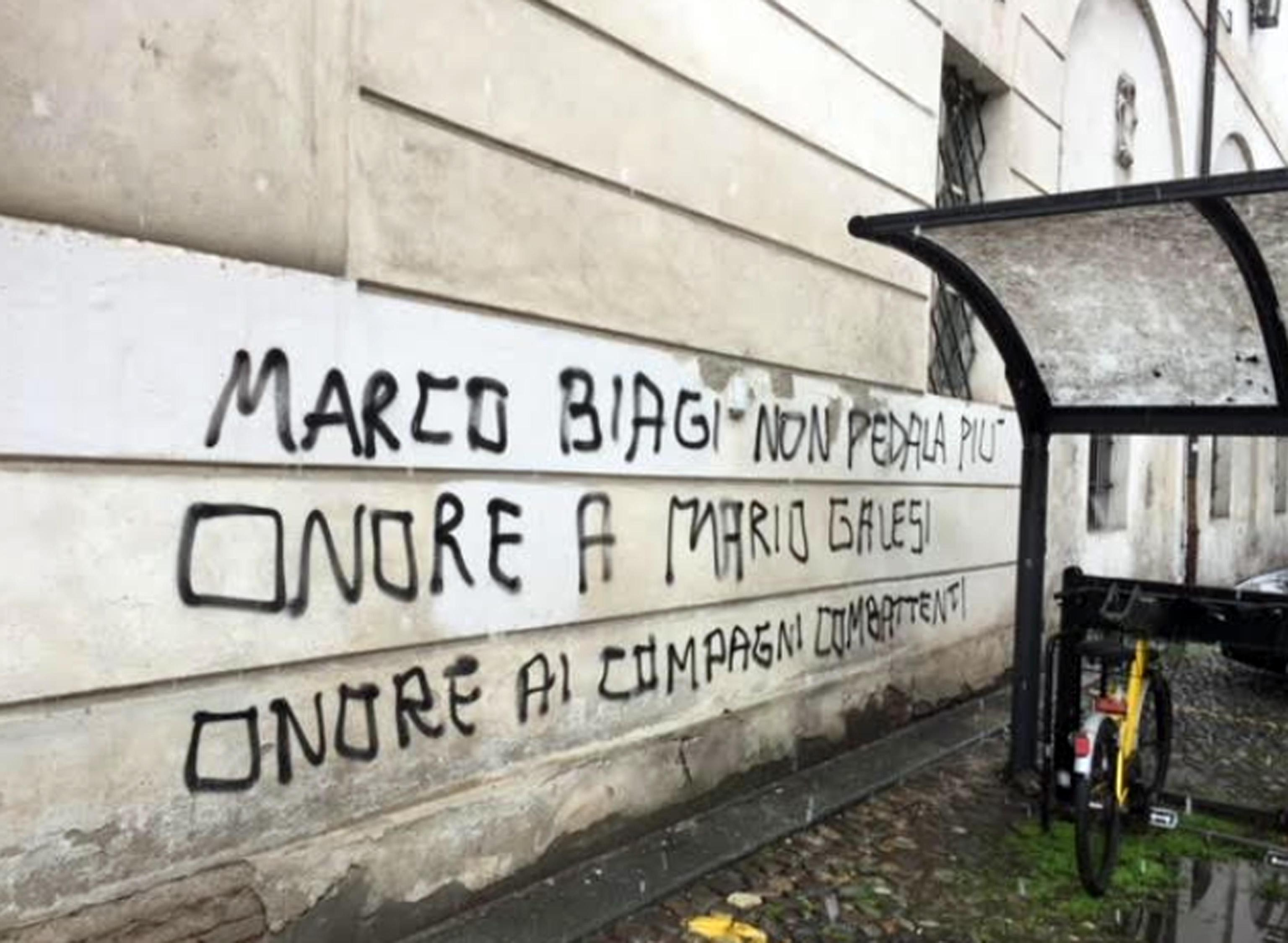 Modena, scritte contro Marco Biagi nell anniversario dell uccisione