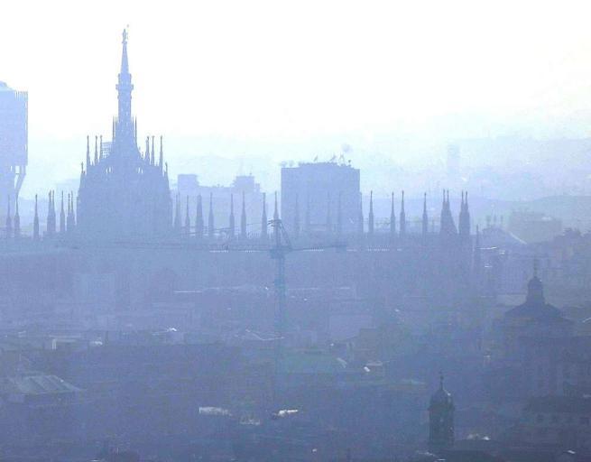 Milano, stop alle auto il 28, 29 e 30 dicembre Sanzioni fino a 663 euro per chi sgarra