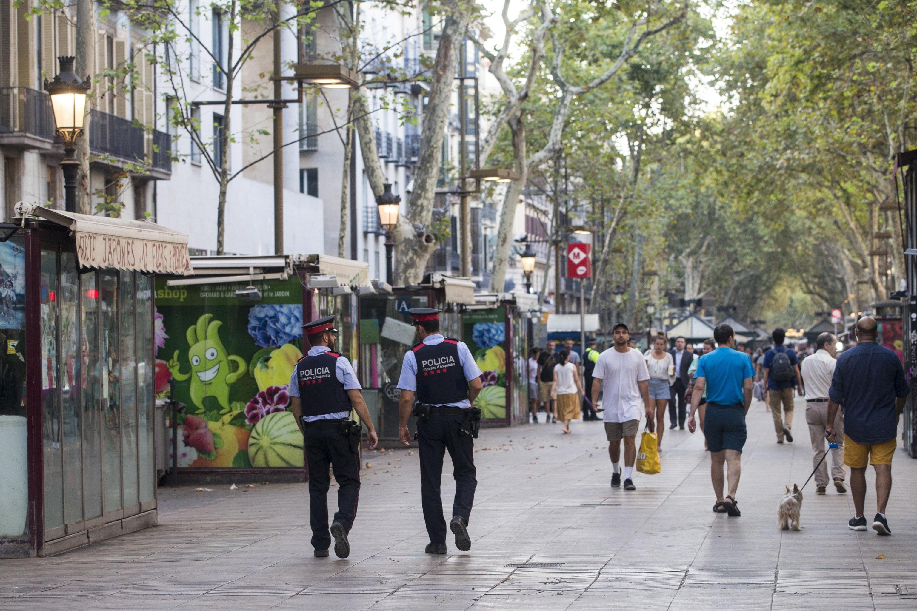 Attentato a Barcellona, la Rambla il giorno dopo
