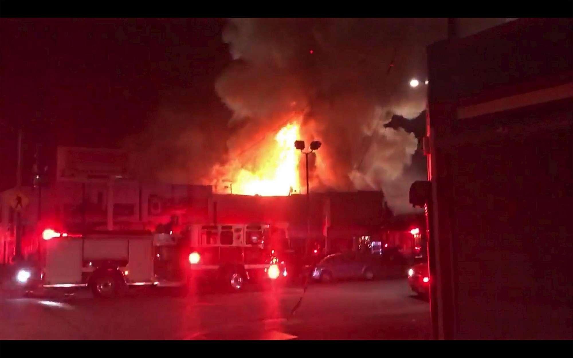 Usa: incendio rave party Oakland, decine di morti e 25 dispersi