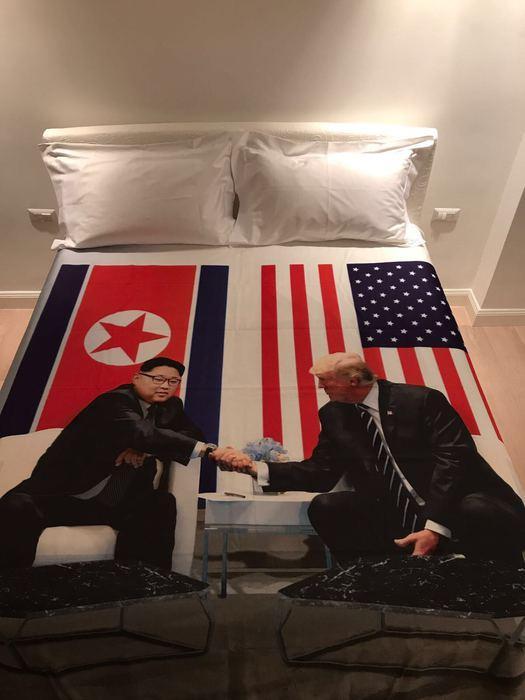 Kim-Trump, un italiano aveva previsto tutto... con un copripiumino