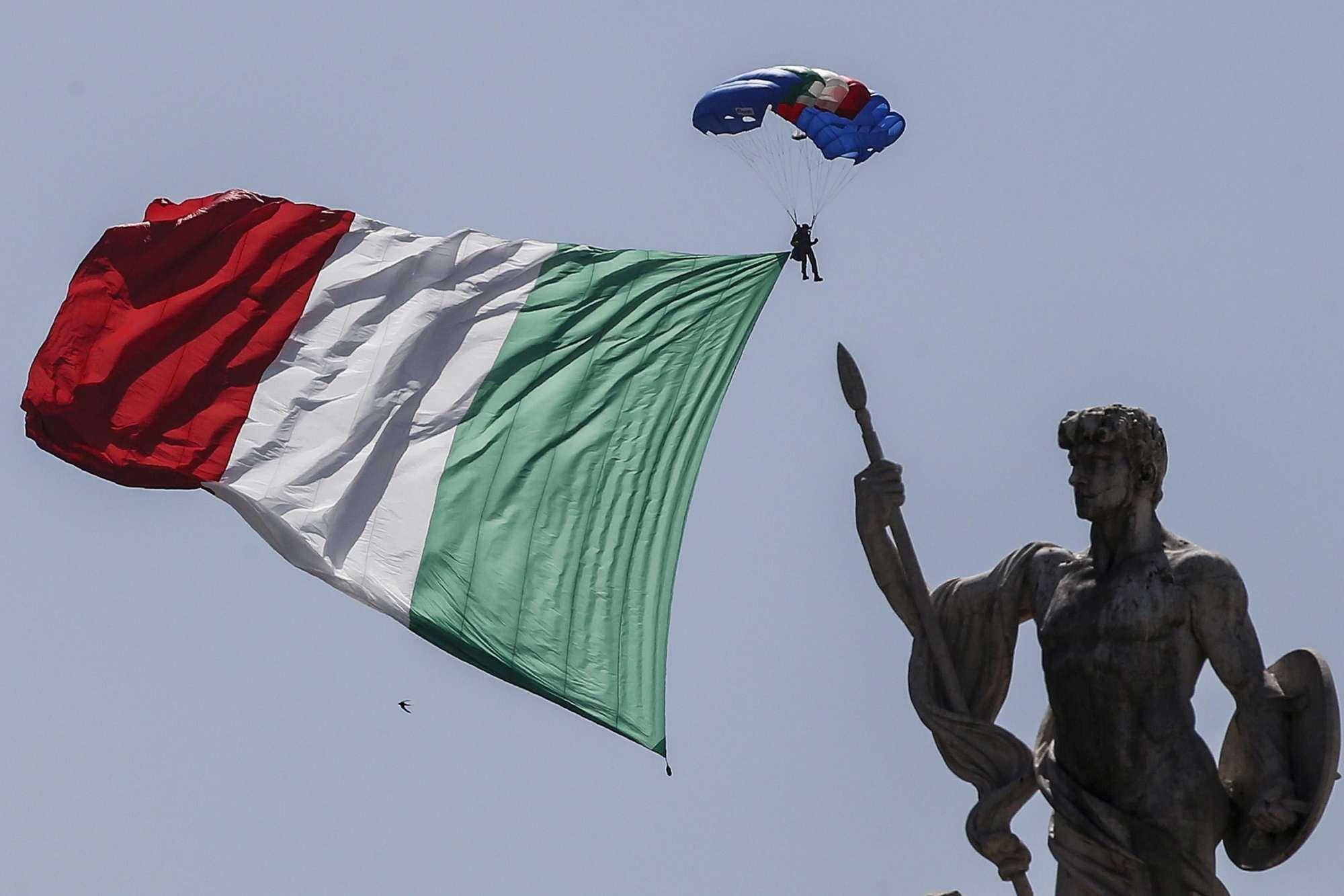 2 giugno conte e 39 la festa di noi tutti mattarella paese coeso e affidabile tgcom24 - La parata bagno vignoni ...