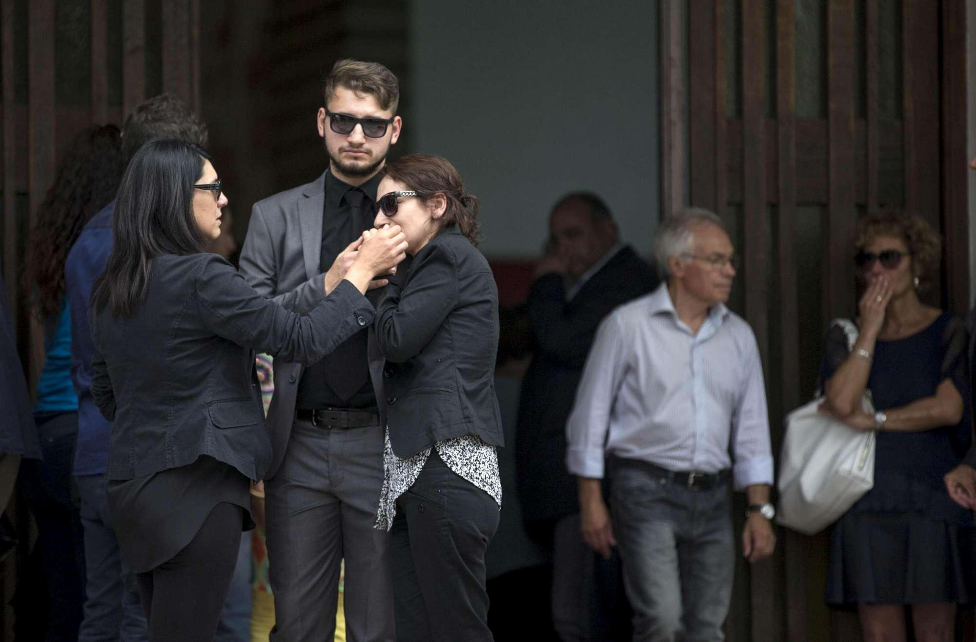 Ragazza uccisa a Roma: madre ai funerali, voglio giustizia