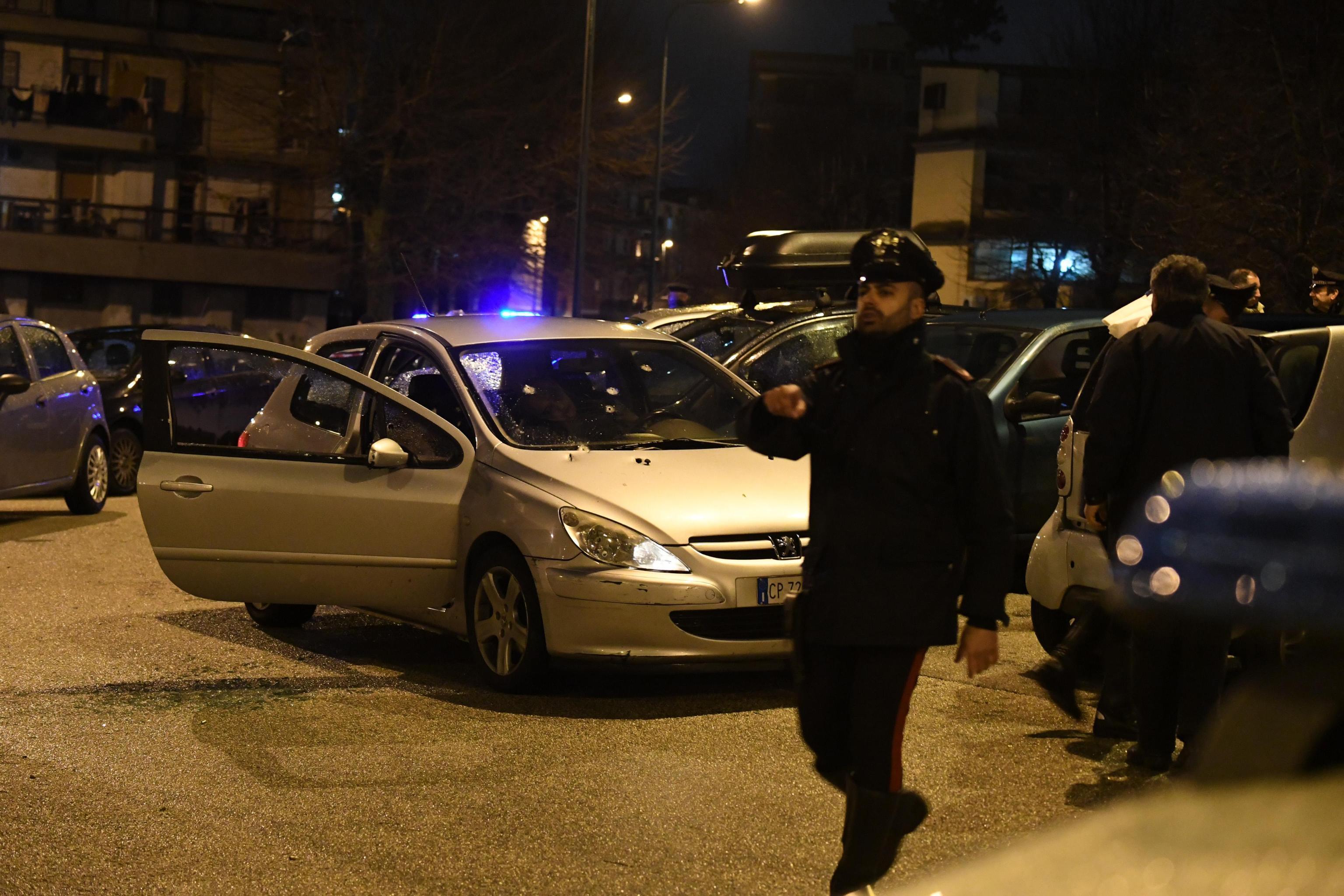 I killer tornano a sparare, due morti in agguato a Napoli