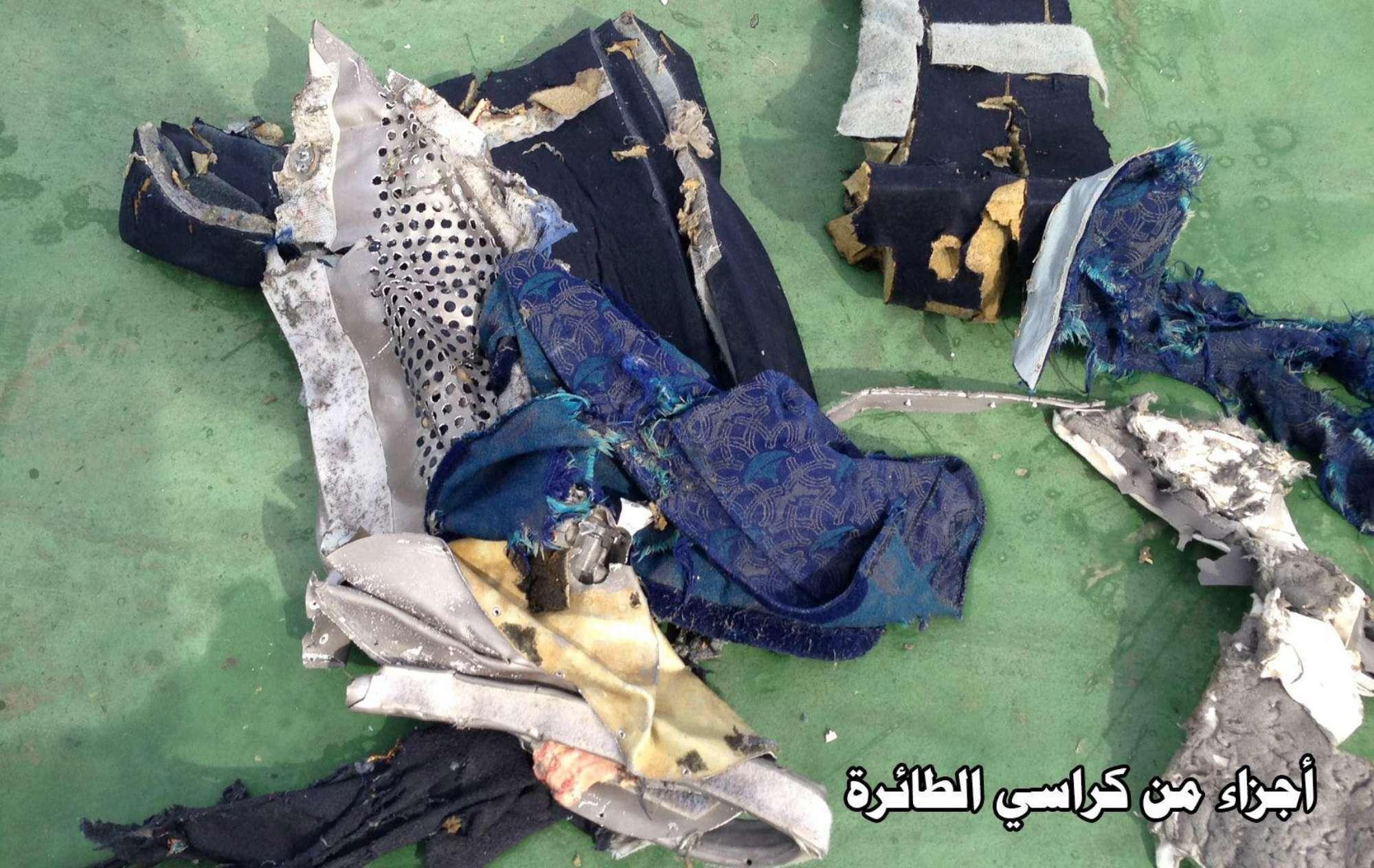 Volo EgyptAir, ''c'era fumo a bordo prima della scomparsa dai radar''