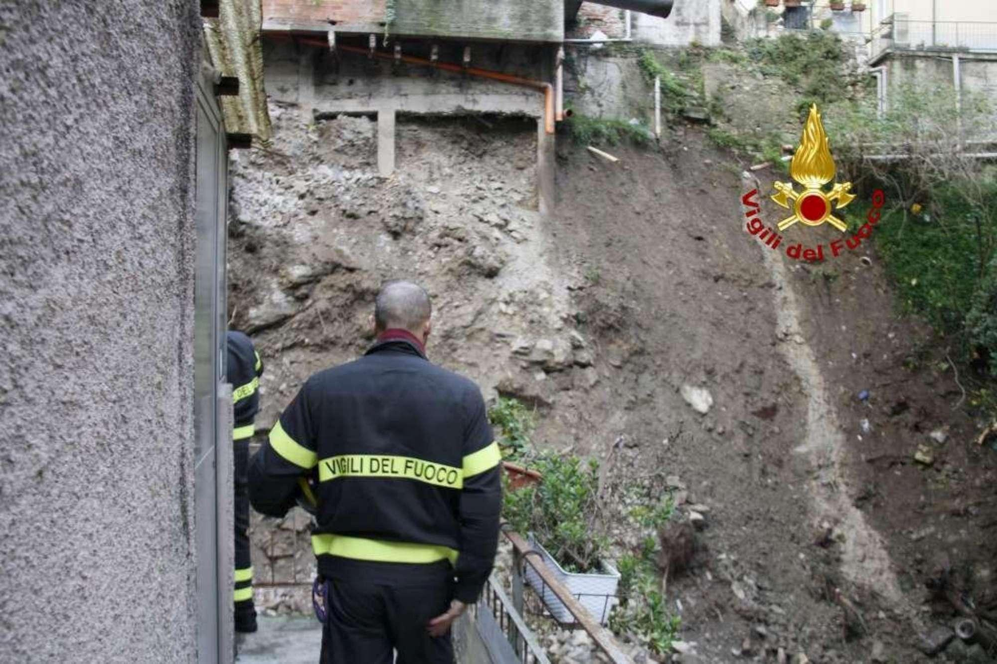 Una grossa frana minaccia le case a Genova. Evacuati gli abitanti