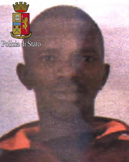 Milano, fermato l immigrato che ha tentato di accoltellare un poliziotto
