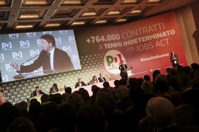 """Unioni civili, Renzi pronto alla fiducia """"Il M5s vuole solo fare del male al Pd"""""""