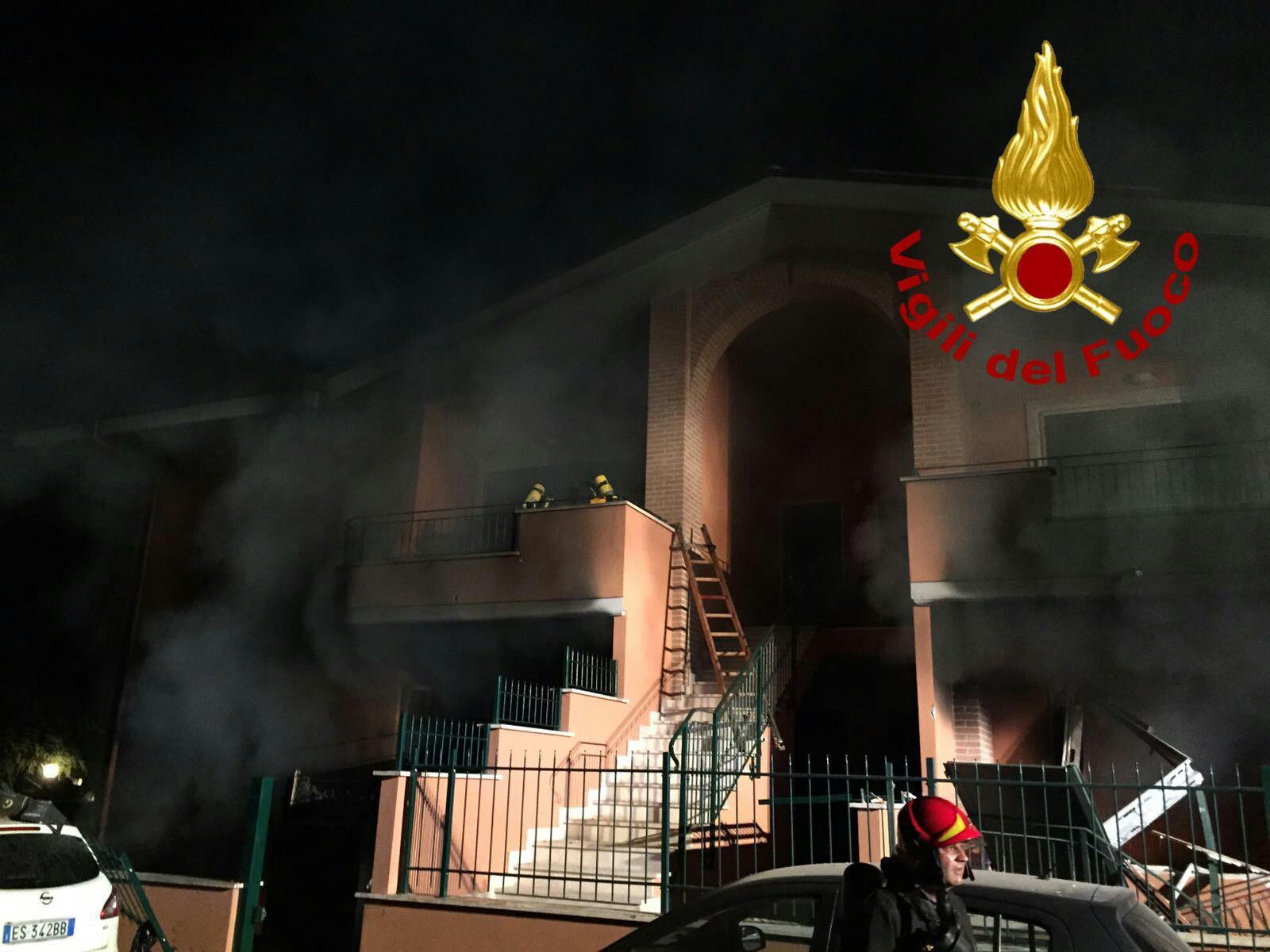 Roma esplosione in una villetta nella notte un morto e quattro feriti