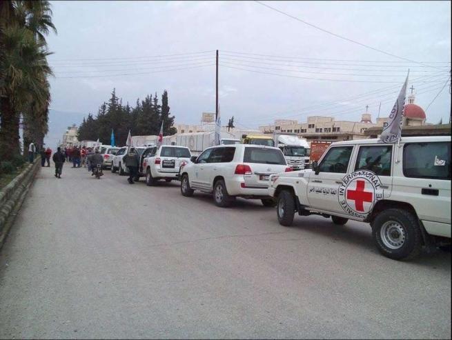 Siria, Madaya sotto assedio: 300 civili evacuati da una città ridotta alla fame