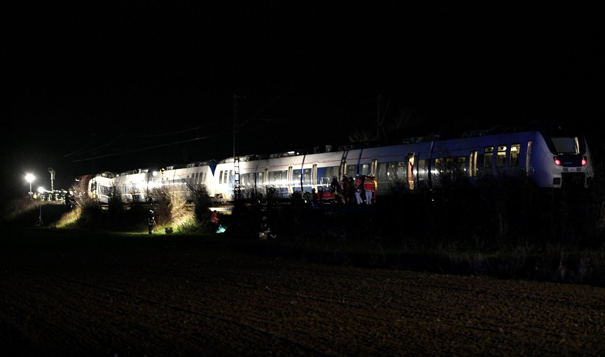 Germania, scontro tra treni: almeno 50 feriti