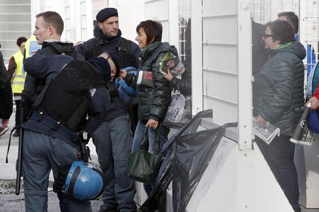 Aumenta la paura di attentati: a Milano annullato concerto, a Roma stadio blindato