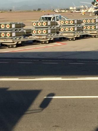 Cagliari, tonnellate di bombe caricate vicino ad aerei di linea: la denuncia di Unidos
