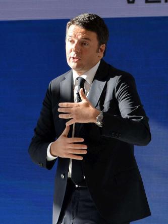 """Terrorismo, Matteo Renzi: """"Non lo sottovalutiamo, ma restiamo umani"""""""