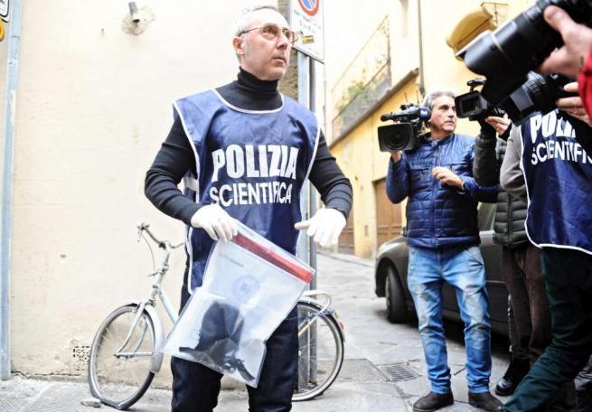 Americana uccisa a Firenze, trovato un reggiseno a 50 metri da casa