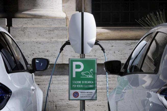 Senato a emissioni zero, arrivano le auto elettriche di rappresentanza