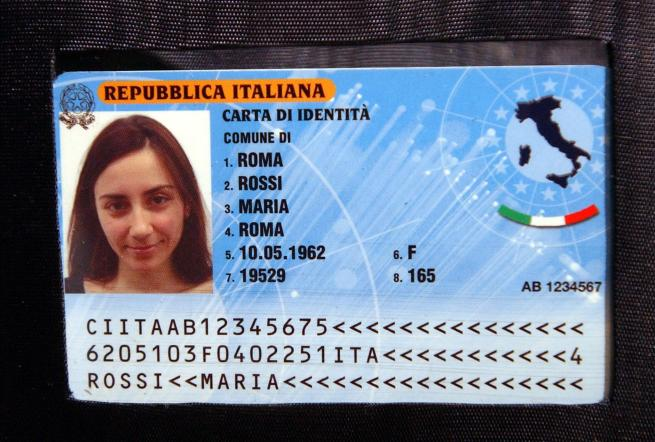 Arriva le nuova carta d'identità elettronica: impronte digitali e microprocessore