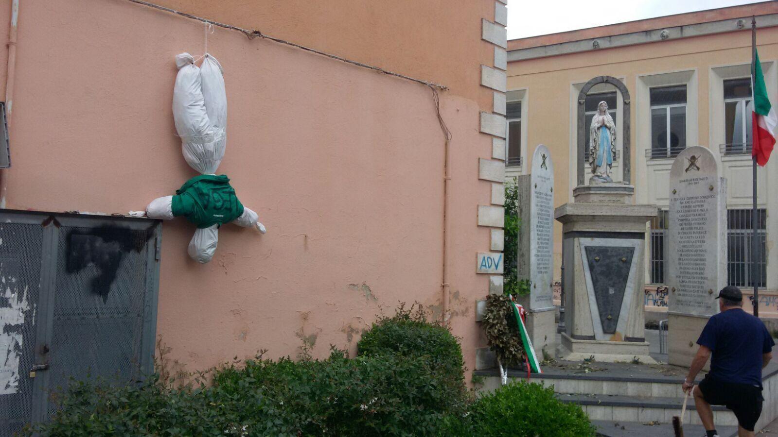 Fantoccio anti-Lega a Quarto, risponde Salvini: