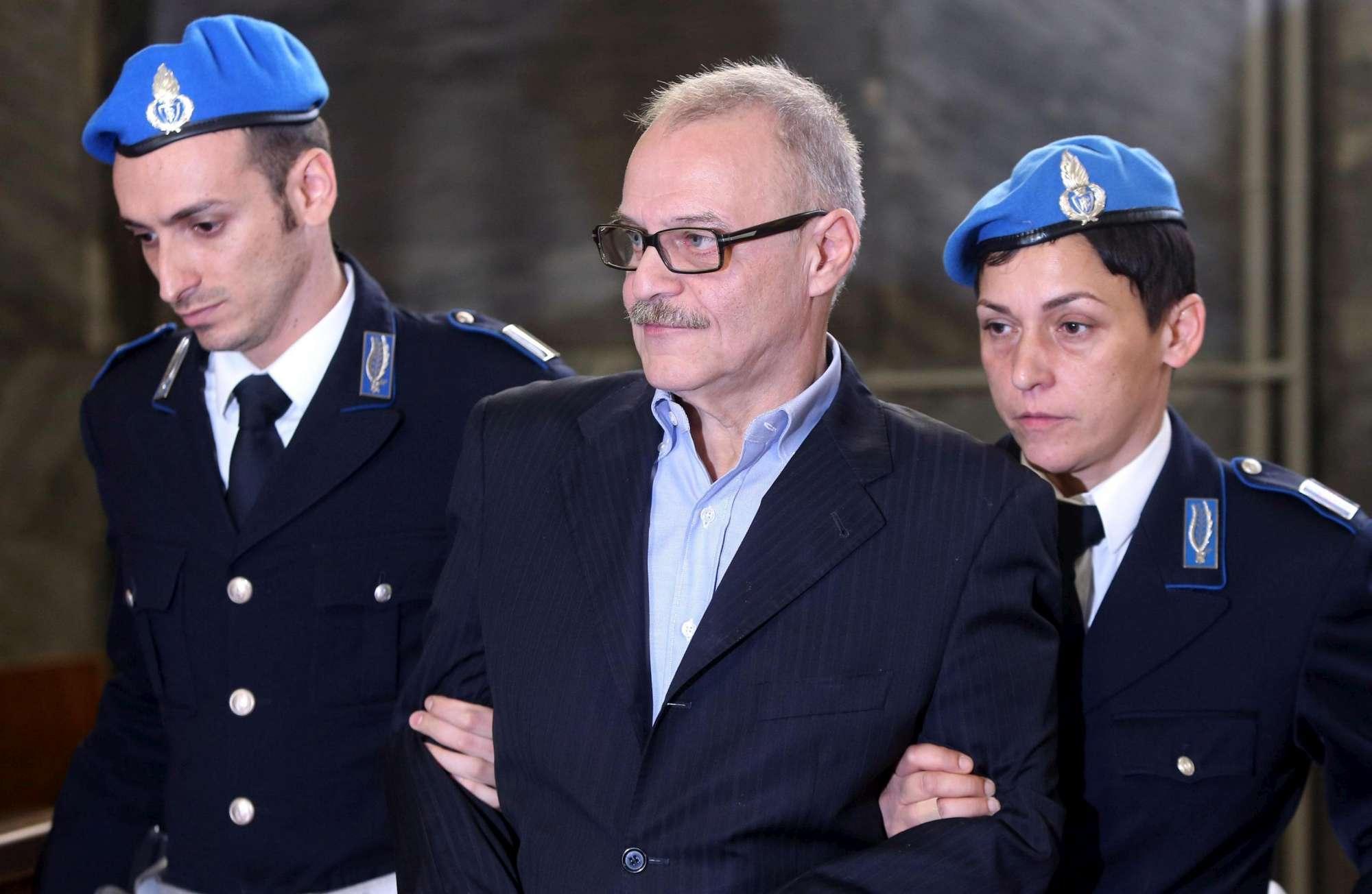 Vallanzasca, carcere di Bollate:  Dategli la libertà condizionale