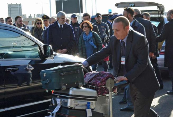 Regeni, rilasciati i due sospetti fermati Fiumicino, la salma arrivata in Italia