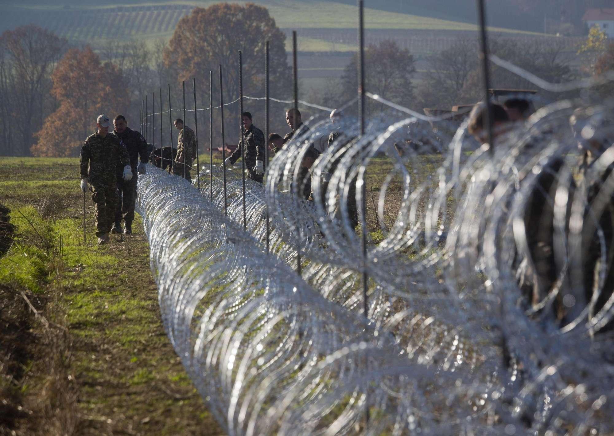 Migranti, tutti i muri che dividono l Europa