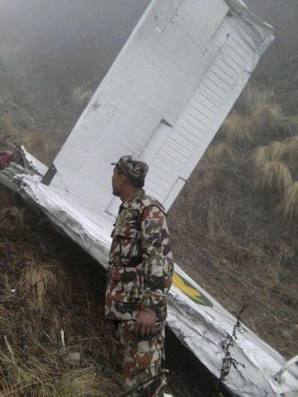 Nepal, precipita un aereo: due morti Seconda tragedia nel giro di 24 ore