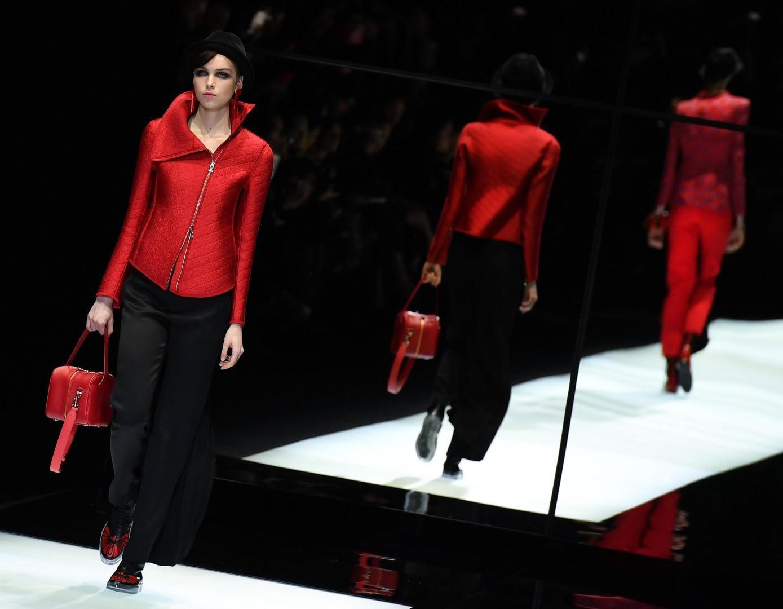 Moda: l autunno si accende di rosso
