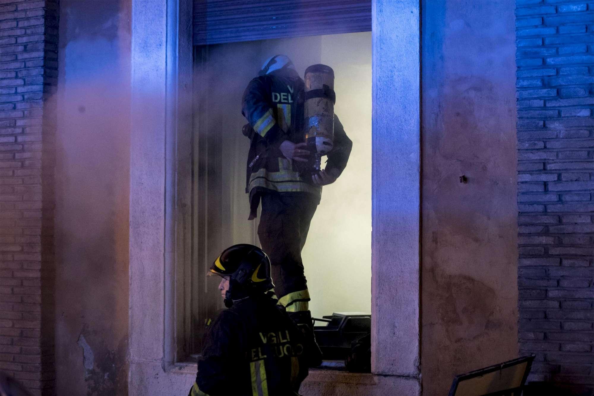 Principio d'incendio all'ospedale Fatebenefratelli sull'Isola Tiberina, evacuati pazienti