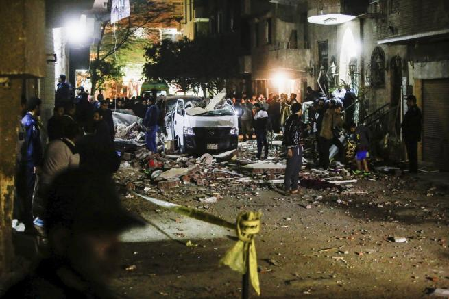 Esplosione a Il Cairo durante un blitz della polizia: 10 morti e 13 feriti