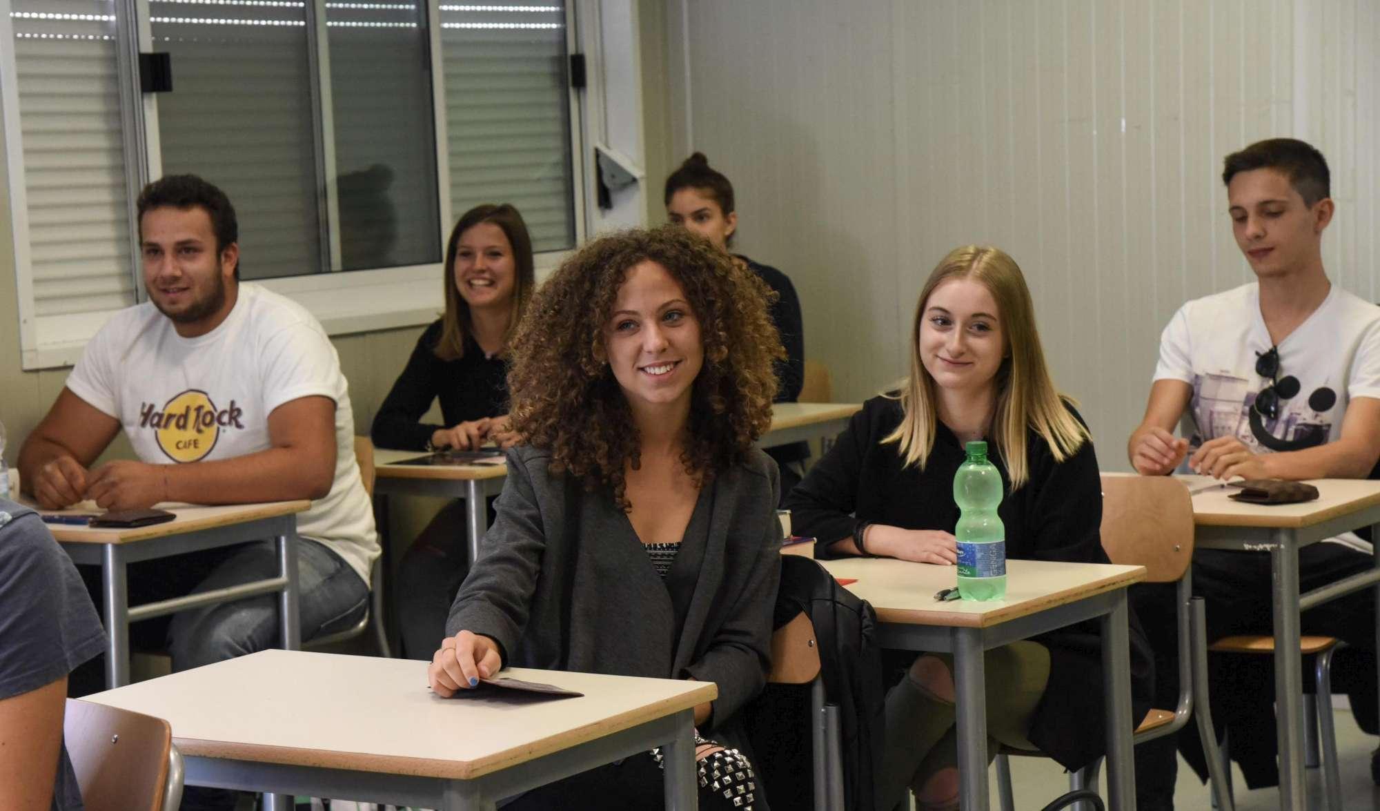Norcia, studenti affrontano la maturità nei container