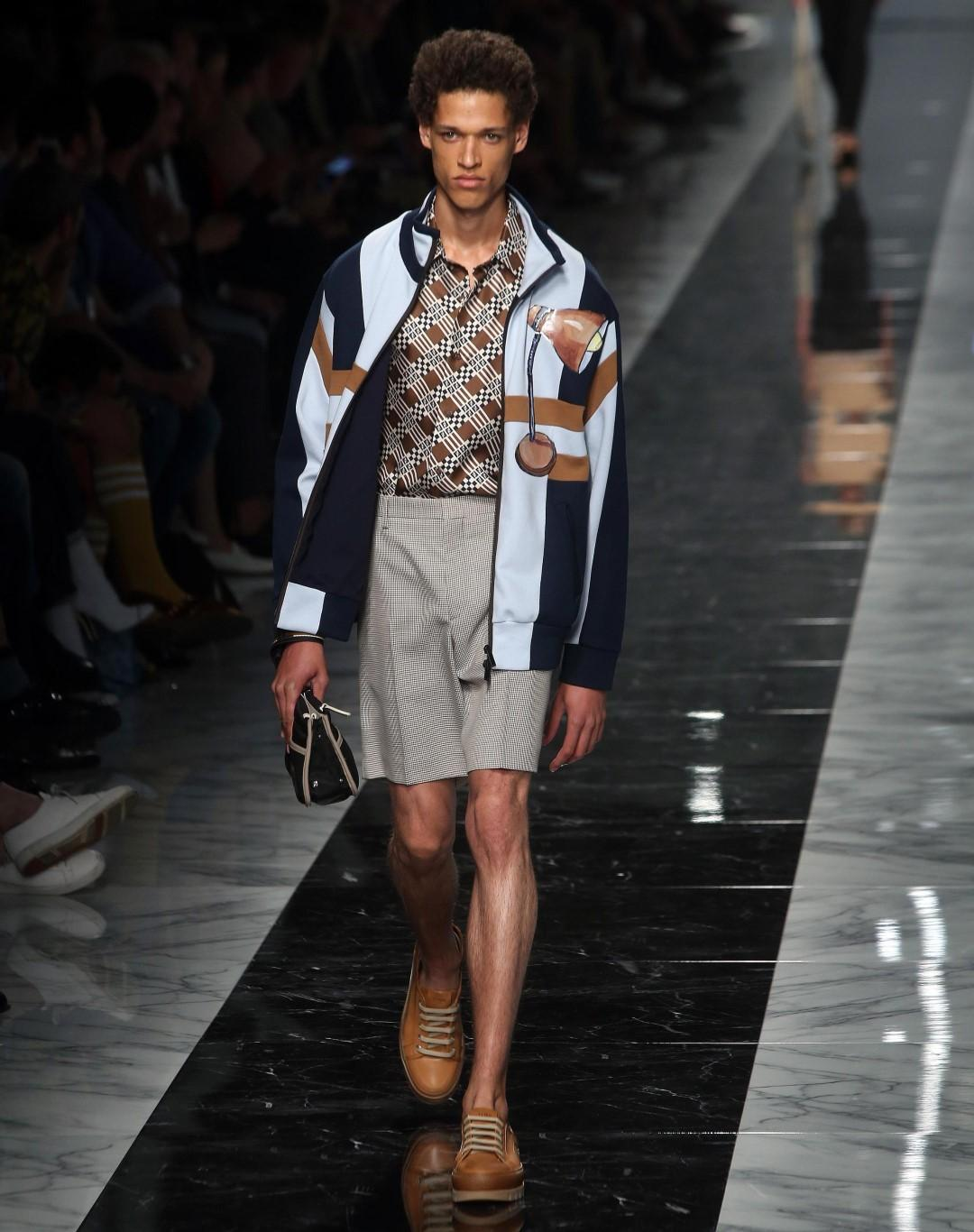 Moda: Armani in greige, Fendi casual chic