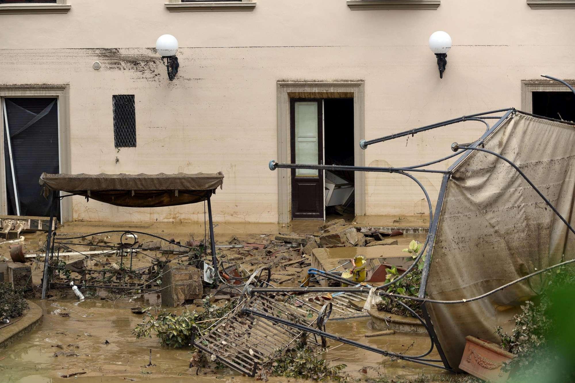 Nubifragio: nonno muore per salvare la famiglia