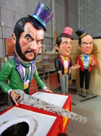Carnevale Viareggio, i politici presi in giro: debuttano Mattarella e la Boschi