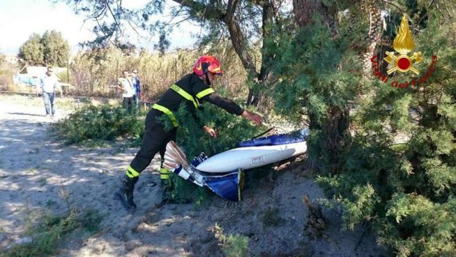 Atterraggio d'emergenza per un aereo ultraleggero, illesi i due occupanti