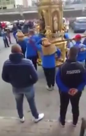 """Catania, doppio """"inchino"""" davanti alla casa di un boss durante la festa patronale"""