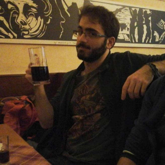 Giù da quinto piano, 19enne di Padova muore durante una gita scolastica a Milano
