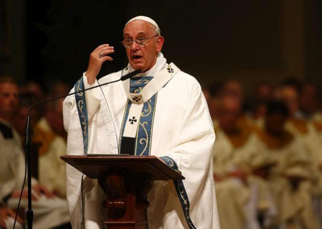 """Papa a Philadelphia: """"Il futuro della Chiesa esige un ruolo più attivo di laici e donne"""""""