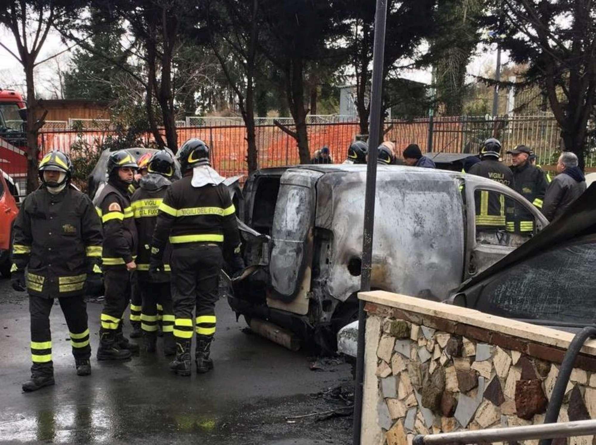 Esplosione a Napoli: panico in città
