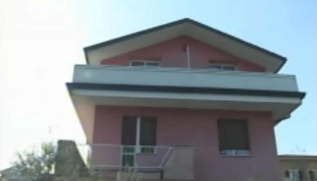 Milano, pensionato uccide il ladro in casa: il 65enne è indagato per omicidio volontario