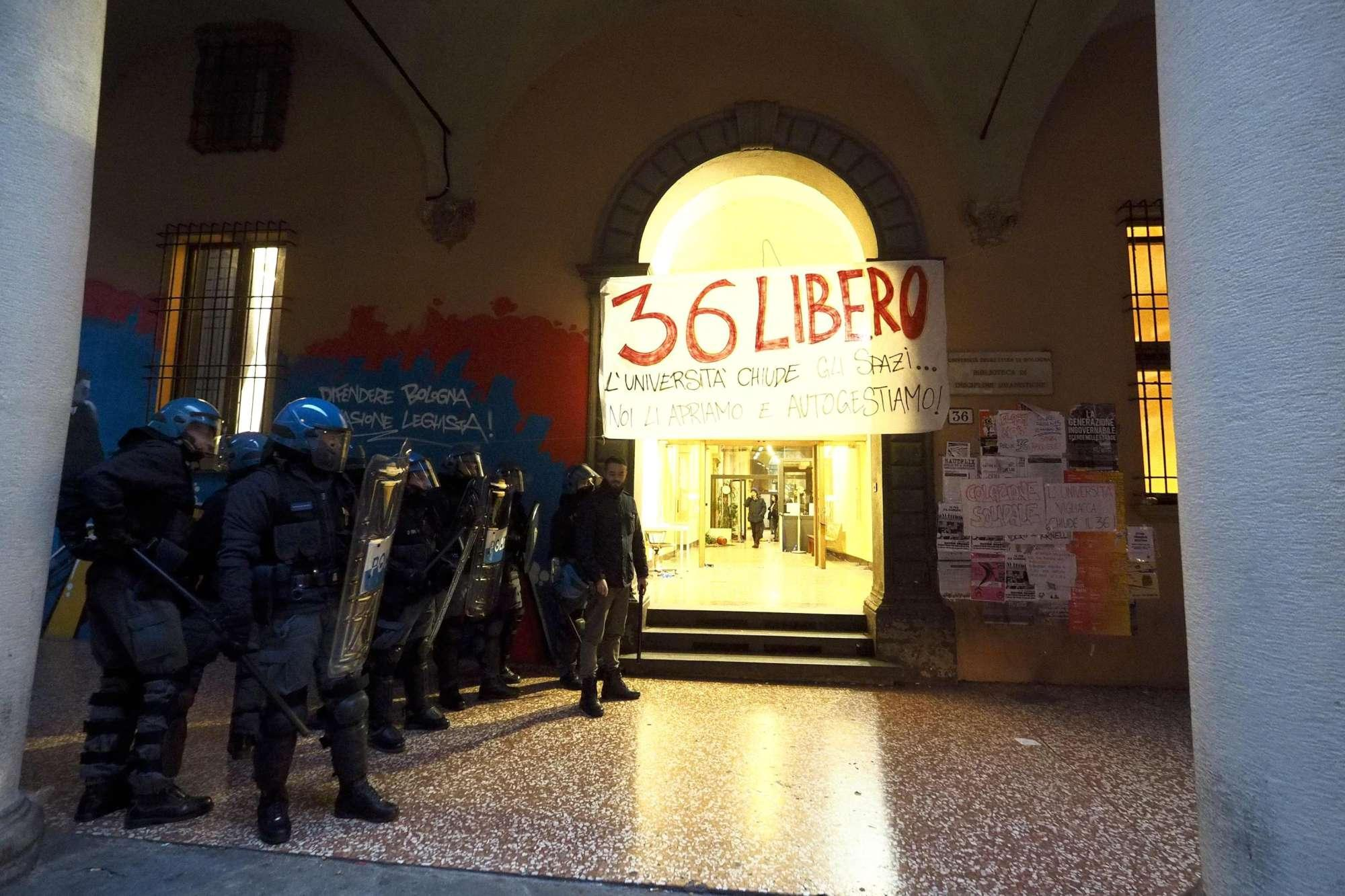 Risultati immagini per tornelli Bologna