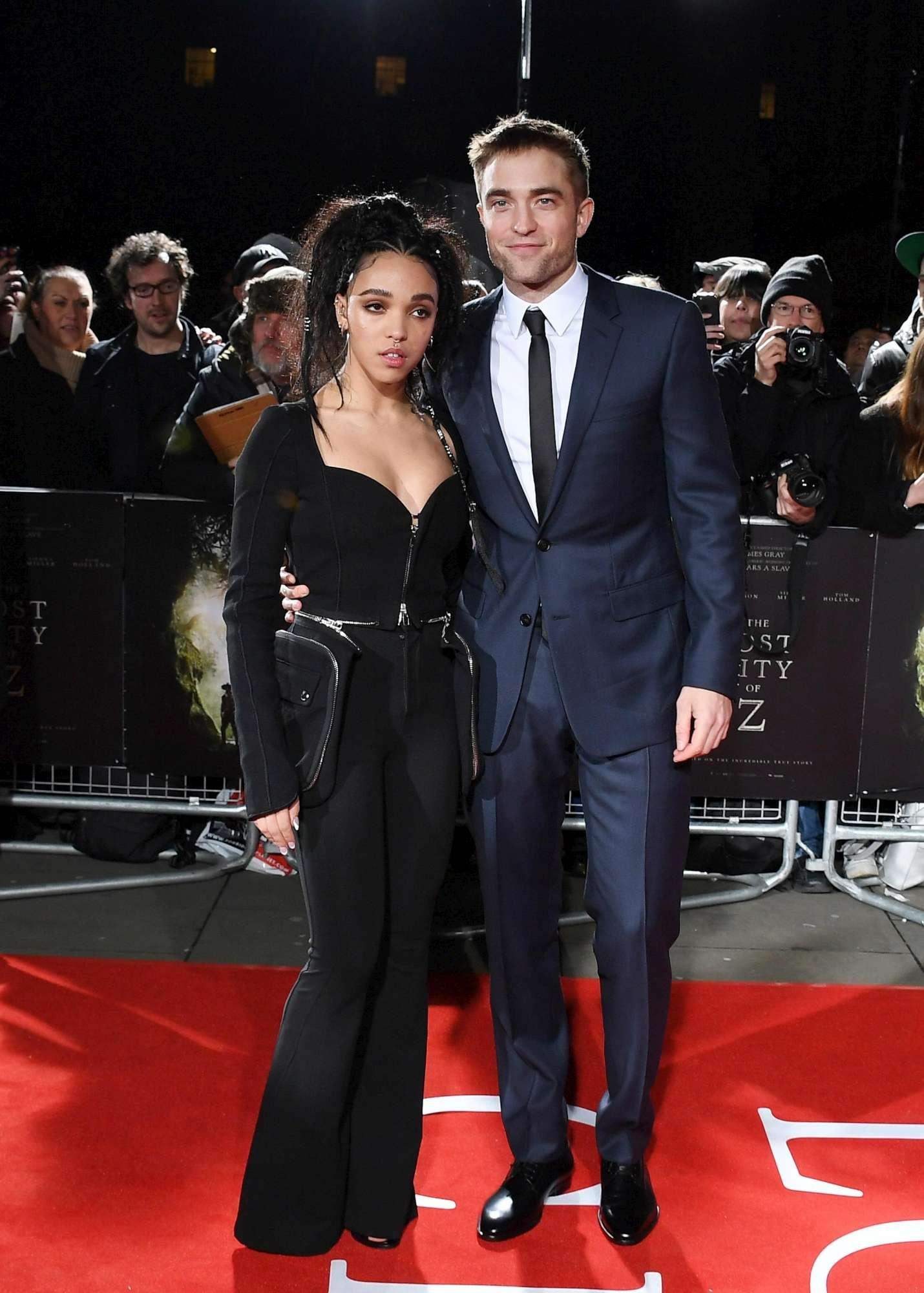 Robert Pattinson e FKA Twigs vicini all addio